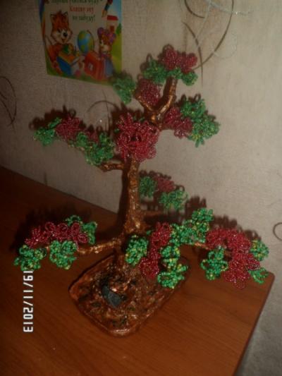 Продам Деревья и цветы из бисера ручной работы в Воронеже.